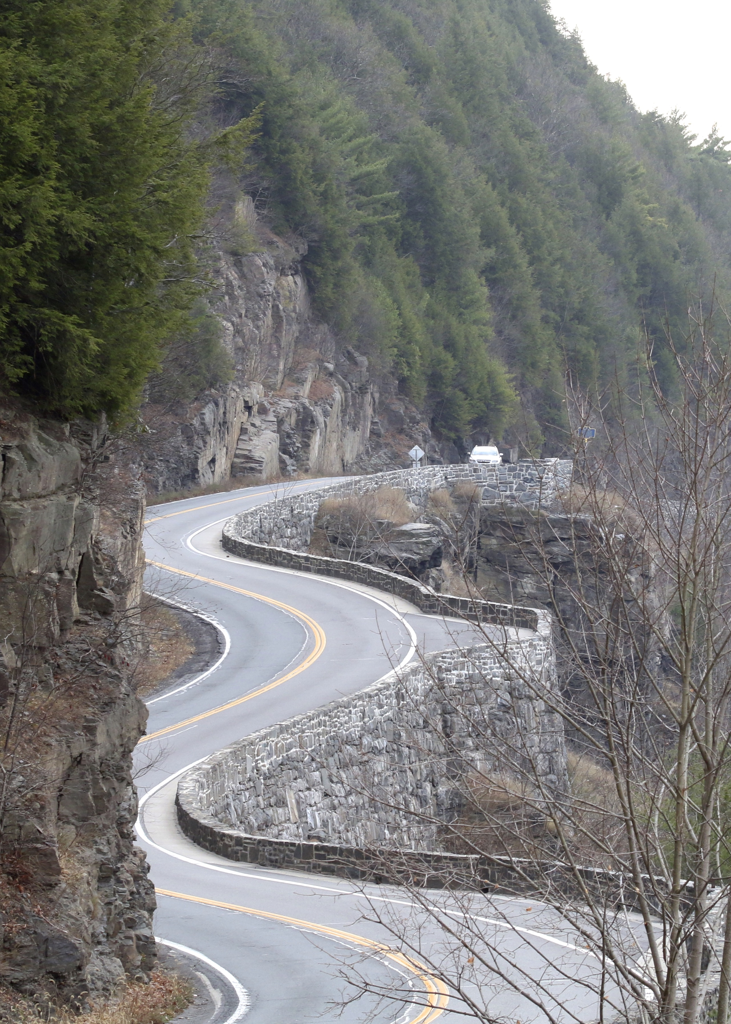"The ""Hawk's Nest"" scenic drive in Port Jervis NY."